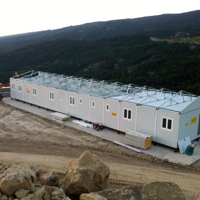 CONSTRUCCIÓN PREFABRICADA DE OFICINAS EN LOS PIRINEOS
