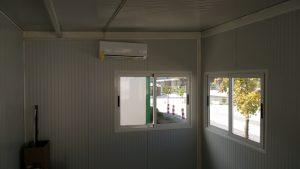 vista interior de la oficina de mores
