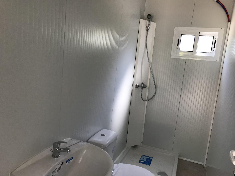 baño de casa prefabricada en zaragoza