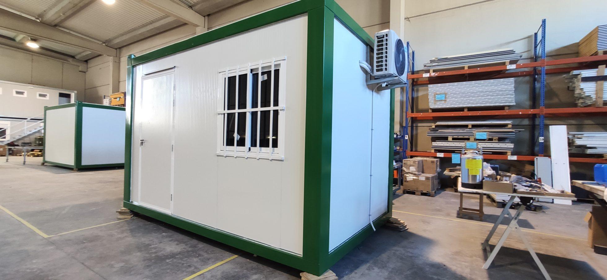 caseta de obra de 4 metros en panel sandwich